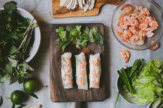 Vietnamese Pork and Shrimp Spring Rolls (Gỏi Cuốn) Recipe on Vietnamese Pork, Vietnamese Spring Rolls, Vietnamese Recipes, Asian Recipes, Healthy Recipes, Ethnic Recipes, Vietnamese Restaurants, Healthy Salads, Cooking Recipes