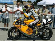 Frankie's F02 with a 999RS motor. First Ducati to break 200mph.