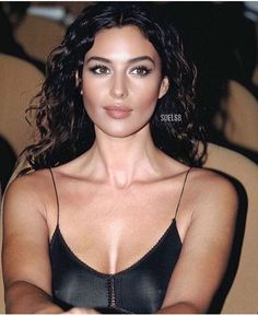 Beautiful Girl Makeup, Beautiful Eyes, Most Beautiful Women, Brunette Beauty, Hair Beauty, Sup Girl, Monica Bellucci Photo, Italian Women, Coco Mademoiselle