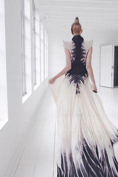 Ma Frangine    killer dress! reminds me of Alexander McQueen. 3rd option dress for Oscar night!