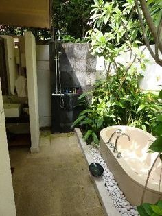 Tub and shower outdoor