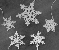 Häkelstern Mix Schneeflocke shabby snowflake crochet weiß Baumschmuck von Nostalgie Gretel häkelt und schenkt auf DaWanda.com