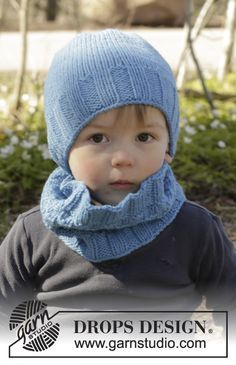 Bluebeard set consisting of hat and cowl for the kids by DROPS Design. Free knitting pattern