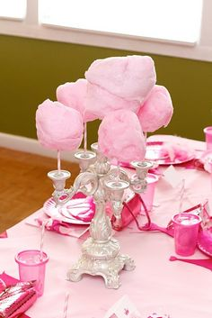 Cotton candy centerpiece - as a cotton candy freak.... I vote I have this on EVERY table setting from here on! LOL