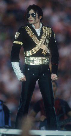 Michael Jackson http://biyografi.info/kisi/michael-jackson