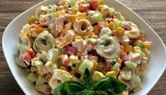 Sałatka z tortellini i pysznym sosem Best Appetizer Recipes, Good Healthy Recipes, Grilling Recipes, Salad Recipes, Cooking Recipes, Tortellini, New Year's Food, Pasta Salad, Food And Drink