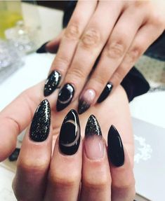Cute Acrylic Nails, Acrylic Nail Designs, Cute Nails, Pretty Nails, Witch Nails, Gothic Nails, Moon Nails, Nails Polish, Dark Nails