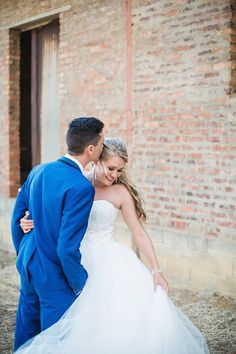 FUN FACT: Men who kiss their wives in the morning are said to live five years longer than those who don't.   You found your perfect man..now it's time to find the perfect wedding dress! Come to our beautiful event to either find a wedding gown on consignment, see the amazing vendors, or just to hangout with other brides-to-be! Check out our website in our bio to RSVP!  sayyestotheredress.com