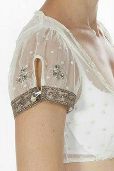 Sewing Blusas How to make different type of sleeves - Simple Craft Ideas Kurti Sleeves Design, Sleeves Designs For Dresses, Sleeve Designs, Kleidung Design, Diy Kleidung, Oktoberfest Outfit, Kurta Designs, Saree Blouse Designs, Sewing Sleeves