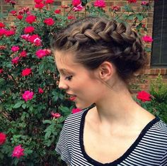 3 Festive Braided Hairstyles - mixed braids updo #braidsbysophia