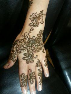 #brides #Heena #mehndi bollywoodbridesaz.com