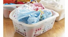 Laundry sorting can be tedious. Check out our 5 laundry sorting tips in this article to make life easier. Diy Cleaning Wipes, Diy Cleaning Products, Cleaning Solutions, Cleaning Hacks, Cleaning Vinegar, Diy Hacks, Cleaning Supplies, Laundry Sorting, Doing Laundry