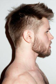 Neto Lucon: Homem transexual, polonês Oliwer arranca suspiros ao posar de cueca para grife brasileira Sergio K