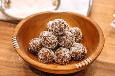 These taste like a dessert except they are gluten and refined sugar-free. Made with #dates #almonds #oats these are the perfect #kidfriendly snack the whole family will love! #powerballs #energyballs #snack Vegan Gluten Free, Vegan Vegetarian, Power Balls, Protein Power, Snack Recipes, Snacks, Healthy Chocolate, Almonds, Sugar Free