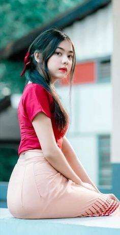 Beautiful Asian Women, Beautiful Celebrities, Burmese Girls, Myanmar Women, Brunette Girl, Cute Asian Girls, Pretty Girls, Beauty Full Girl, Portrait