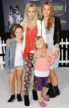 Beverly Hills, 90210 alum Jennie Garth has been raising daughters as a single mom since her 2012 split from Peter Facinelli.