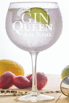 Grapefruit Gin Cocktail, Pink Gin Cocktails, Gin Based Cocktails, Gin Cocktail Recipes, Alcohol Drink Recipes, Christmas Gin, Christmas Presents, Blueberry Gin