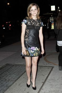 Emma Watson attends the LONDON show ROOMS New York cocktail party at Pulinos on March 25, 2010 in New York City  Crediti : Zimbio  Instagram : https://www.instagram.com/we.love.emma.watson.crush/  Passate dal nostro gruppo ; https://www.facebook.com/groups/445446642475974/  Twitter : https://twitter.com/GiacomaGs/status/907646326359445509 ?   ~EmWatson