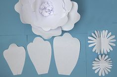 Learn to create a variety of flowers for a paper flower backdrop. Paper Flowers Wedding, Paper Flowers Diy, Diy Paper, Wedding Paper, Paris Decor, Paper Flower Backdrop, Here Comes The Bride, Flower Making, Party Planning