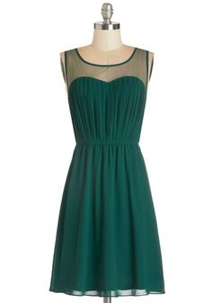 Exquisite on the Equinox Dress in Emerald. Tonights celestial celebration is even more ethereal when you attend the party in this emerald chiffon dress! #green #modcloth