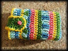 Gehäkelte Taschentuchhülle von kreativhäkelshop auf DaWanda.com