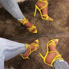 1130 Melhores Ideias de sapato alto em 2020 | Sapatos altos