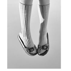 Socks and glitter sandals  . . #Repost @annahsegarra #stylist #styling #coolkids #kidsfashion #fashioneditorial #glitter #socks #blackandwhite #fashionphotography #kidstylist #sandals #springtime #littlelondonmagazine @kidscomunicacion