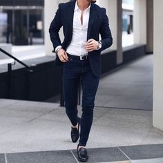 "631 Me gusta, 6 comentarios - Best of Men Style (@bestofmenstyle) en Instagram: ""Courtesy of @rowanrow ________________________________ #suit #suits #gentlemen #gentlemens #fashion…"""