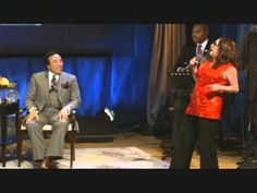 'Ooh Baby Baby' indeed! Lady T serenading Smokey Robinson back in 2009 60s Music, Music Tv, Teena Marie, Rick James, Smokey Robinson, Old School Music, Music Express, Smooth Jazz, Hard To Love