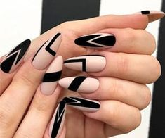 Black Nails Designs Inspirations 2019 The black nail designs are stylish. It is loved by beautiful women. Black nails are an elegant and chic choice. Color nails are suitable for almost every piece of clothing and matching occasions. Almond Nails Designs, Black Nail Designs, Best Nail Art Designs, Black Nail Art, Black Nails, Matte Black, Blue Nail, Green Nails, Black Art
