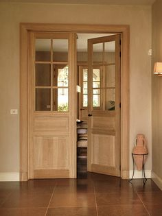 Dubbele deur Doors And Floors, Floor Design, Decoration, China Cabinet, Tall Cabinet Storage, Flooring, Furniture, Home Decor, Houses