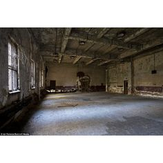 Inside the lost island of New York Eerie pictures of the abandoned... ❤ liked on Polyvore