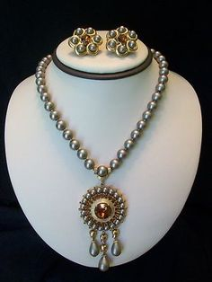VINTAGE 1950s CROWN TRIFARI GREY PEARL & AMBER RHINESTONE NECKLACE EARRINGS SET