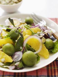 Salade met sinaasappel en rode ui