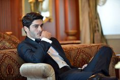 my handsome hubby ❤ Handsome Celebrities, Most Handsome Actors, Handsome Boys, Turkish Men, Turkish Beauty, Turkish Actors, Brad Pitt, Followers En Instagram, Murat And Hayat Pics
