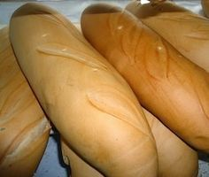 Pan Andino Venezuelan Food, Venezuelan Recipes, Bread Recipes, Cooking Recipes, Pan Relleno, Yeast Rolls, Pan Bread, Bread And Pastries, Disney Food
