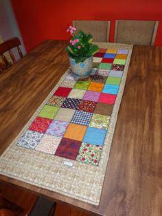 DeCoração Patchwork - Table runner - Trilho de mesa Colorido como a cliente…