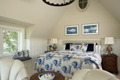 Traditional Bedroom Photos Master Bedroom Design Ideas, Pictures, Remodel, and Decor - page 15 Beadboard Wainscoting, Dining Room Wainscoting, Wainscoting Styles, Wainscoting Panels, Manchester Tan, Neutral Bedrooms, White Bedrooms, Coastal Bedrooms, Small Bedrooms