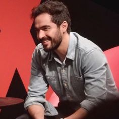 Alfonso Herrera, Jamie Clayton e Aml Ameen no painel da Netflix na Comic Con Experience CCXP em São Paulo, Brasil (04.12.2015) - alfonso-painel-ccxp-002 - RBD Fotos Rebelde | Maite Perroni, Alfonso Herrera, Christian Chávez, Anahí, Christopher Uckermann e Dulce Maria Jamie Clayton, Queen Of The South, Netflix, Nostalgia, Role Models, Guys, My Love, Celebrities, Fictional Characters
