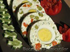Rulada de Branza cu Oua  - Aperitive speciale pentru Paste - Slide 4 din 6. Slideshow pe Garbo Sushi, Eggs, Paste, Breakfast, Ethnic Recipes, Essen, Morning Coffee, Egg, Egg As Food