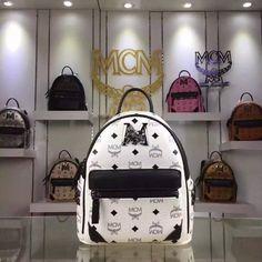 MCM Medium Stark M Lion Backpack In White
