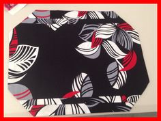 How cool does this place mat look, we always have lots of fun in our home Dec Sewing Classes. Cheer Fee, http://mysewingclub.com/gold-coast-sewing-classes/