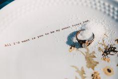 Vintageporzellan mit Botschaft bedruckt @textpoterie Teller, Wedding, Shopping, Getting Married, Valentines Day Weddings, Weddings, Marriage, Chartreuse Wedding