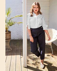 Magazin Schnitt Hose 09/2018 #124 Plus Size Patterns, Sewing Patterns, Wide Pants, Light Hair, Pants Pattern, Capri Pants, Trousers, Zip, Style