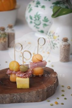 Canapes top twist skewer