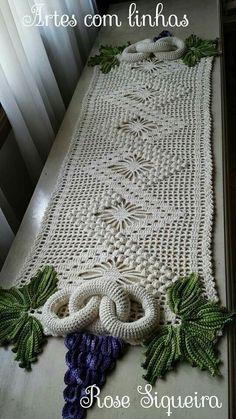 Ginoris Velazquez's media content and analytics Crochet Potholders, Crochet Doily Patterns, Crochet Doilies, Crochet Flowers, Crochet Table Runner, Crochet Tablecloth, Crochet Home, Crochet Gifts, Yarn Crafts
