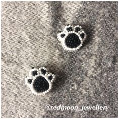 Муррр Броши ручной работы @redmoon_jewellery /// Броши из бисера на заказ