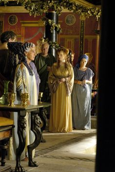 Servilia of the Junii and Eleni - Lindsay Duncan and Suzanne Bertish in Rome, set between 49 BC and 31 BC (TV series Ancient Roman Houses, Ancient Rome, Ancient Greece, Rome Costume, Movie Costumes, Rome Hbo, Rome Tv Series, Roman Dress, Empire Romain