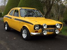 This 1971 ford escort mk 1 mexico daytona yellow rs is for sale.