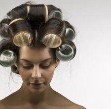 Hair in big curlers!I still do this w/velcro rollers! Big Hair Curls, Wavy Hair, Thick Hair, Long Hair, Straight Hairstyles, Cool Hairstyles, Pelo Vintage, Great Hair, Vintage Hairstyles